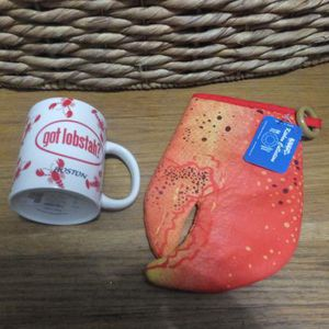 Boston Lobster Mug and Oven Mitt Gift Set for Sale in Queens, NY
