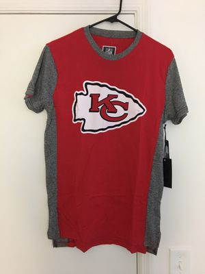 NWT Mens Kansas City Chiefs Raglan Shirt for Sale in Tampa, FL