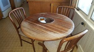 Small solid oak table and 4 chairs for Sale in Saint Paul, MN