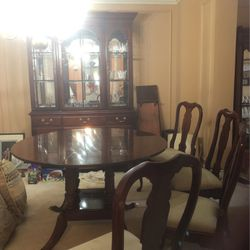 Dining Room Table And 4 Chairs for Sale in Pittsburgh,  PA