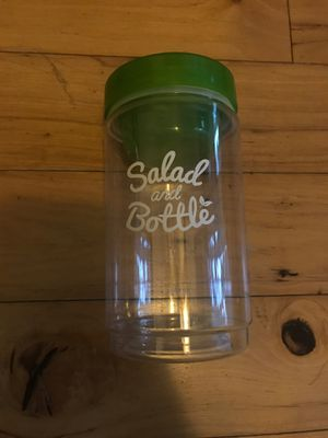 Salad Lunch Storage Container for Sale in Rancho Cucamonga, CA