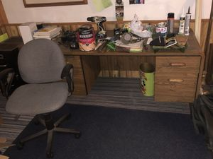 Desk and chair for Sale in Appleton, WI