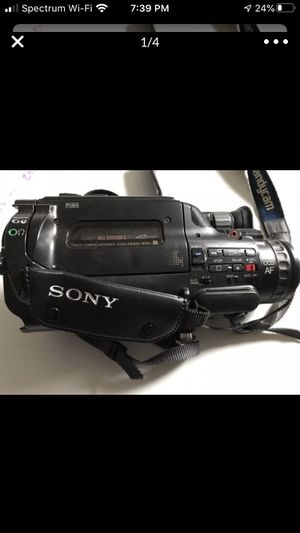 Sony CCD-FX620 Camcorder and accessories for Sale in Lexington, NC