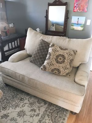 Oversized chair for Sale in Lexington, KY