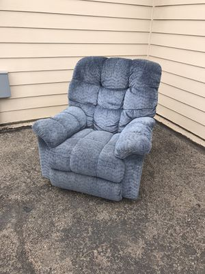 Blue lazy boy recliner chair for Sale in Arvada, CO