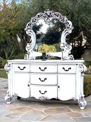 Beautiful Dresser / Buffet for Sale in Chino, CA