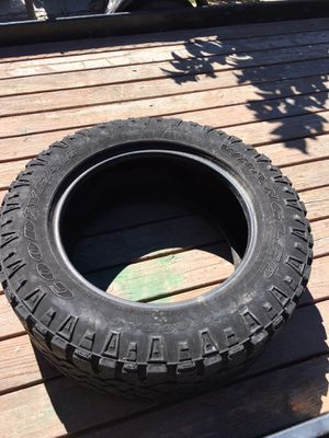 305/55/20 Good Year A/T Tire for Sale in Vernon, CA