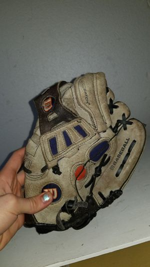 Baseball glove for Sale in Stoneham, MA
