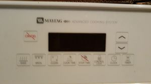 White Maytag built in self-cleaning oven. for Sale in Round Rock, TX