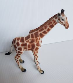 """2006 Adult Giraffe 6.5"""" PVC Action Figure Toymajor Toy Major Trading Company. for Sale in Adelphi,  MD"""