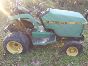 John Deere riding mower (Kawasaki engine) doesn't run. No corre for Sale in Houston, TX