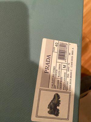 Prada Sz 40 Need 500 for Sale in UPPR MARLBORO, MD