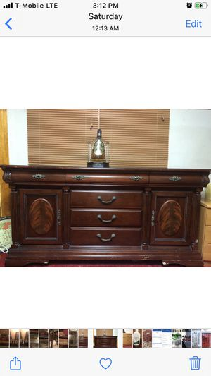 Dining room dresser for Sale in Brooklyn, NY