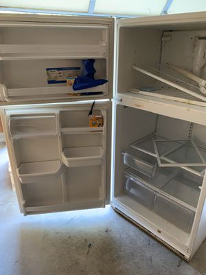 Whirlpool refrigerator freezer for Sale in Columbus, OH