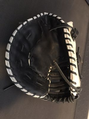 Marucci Baseball Glove for Sale in Fresno, CA