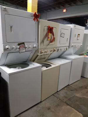 STACKABLE WASHER AND DRYER COMBO WORKING PERFECTLY 4 MONTHS WARRANTY for Sale in Baltimore, MD