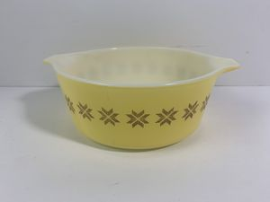 PYREX TOWN & COUNTRY 1 1/2 Pint 472 Casserole Vintage for Sale in Elgin, IL
