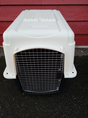 Great Condition Petco Large Plastic Dog Crate Kennel Extra Large for Sale in Woodway, WA
