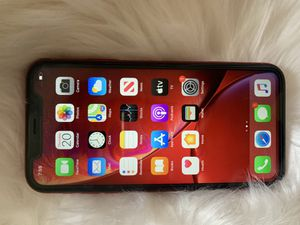 iPhone XR 64g unlocked for any company for Sale in East Los Angeles, CA