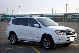 White toyota 2006 rav4 for Sale in Washington, DC