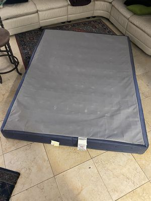 Queen bed box spring for Sale in Miami, FL
