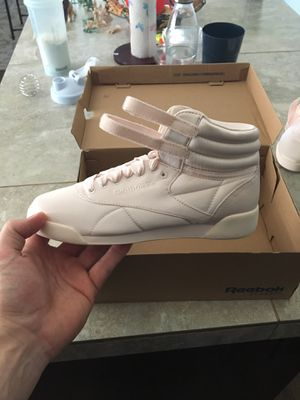Shoe Reebok Classics/ high tops/ size Junior 4.5 for Sale in Vancouver, WA