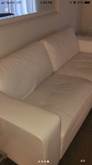 White leather couch for Sale in Wickliffe, OH