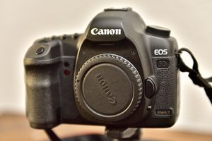 Canon EOS 5D MarkII PRICE FIRM 👀 for Sale in Orange, CA