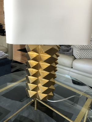 Beautiful gold accent table lamp for Sale in Oceanside, NY