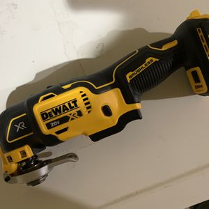DEWALT 20-Volt MAX Cordless Brushless Oscillating Tool (Tool Only) for Sale in Portland, OR