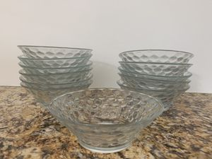 Small Glass bowl for Sale in Los Angeles, CA