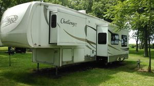 2007 keystone Challenger 33 ft camper for Sale in Dana, IL