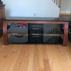 Tv Stand 61 X 19 Inches for Sale in Reading, MA