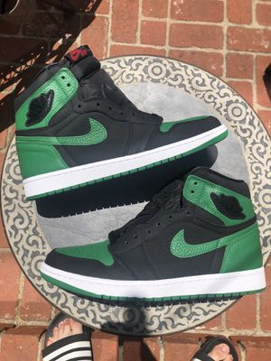 DS Jordan 1 'Pine Green 2.0' LOOKING TO TRADE FOR A SIZE 10 for Sale in Huntington Beach, CA