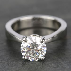 High-Quality 2CT Solitaire Moissanite Diamond Rings High- Clarity Round Cut in 18k white gold setting for Sale in Los Angeles, CA