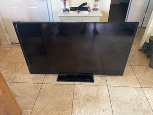 60 inch Samsung smart TV with remote for Sale in Mesa, AZ