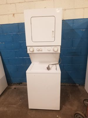 """24"""" apartments size electric dryer washer for Sale in Aurora, IL"""