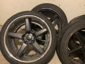 """22"""" black and chrome rims5x125 bolt with tires for Sale in Hackensack, NJ"""