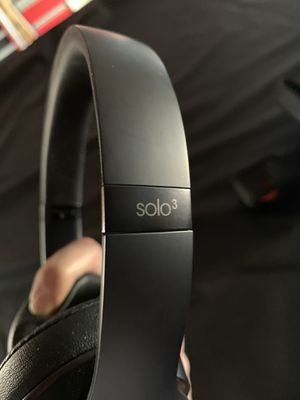 Beats Solo3 Wireless headphones for Sale in Tracy, CA