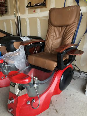 LURACO MASSAGE CHAIR WITH PEDICURE SPA CHAIR for Sale in Fort Worth, TX