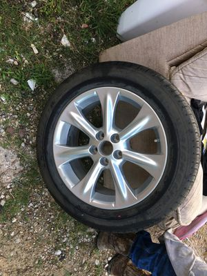 18 inch tire / llanta de 18 pulgadas for Sale in Houston, TX