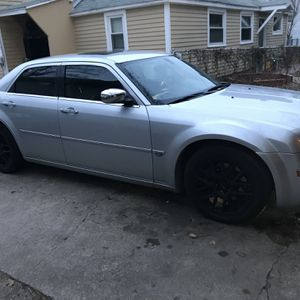 2005 Chrysler 300 for Sale in Mount Pleasant, MI