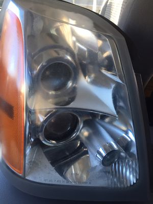 2004-2005-2006-07-2008-2009 CADILLAC SRX PASSENGER/RIGHT SIDE HALOGEN HEADLIGHT OEM for Sale in Alexandria, VA