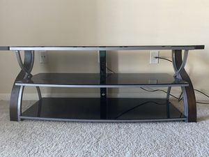 Small tv stand/ shelf for Sale in Houston, TX
