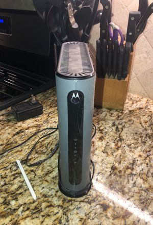 Motorola Cable modem MG7550 16x4 DOCSIS3.0 with WIFI ROUTER @2.4 and 5G bandwidths PRACTICALLY NEW for Sale in Hideaway, TX