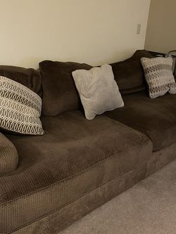 Ashley Furniture Luxury Couch (Price Negotiable) for Sale in Las Vegas,  NV
