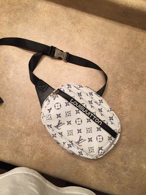 Louis Vuitton Fanny pack for Sale in Austin, TX