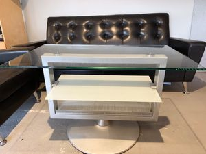 Rotating office coffee table with 2 sitting benches for Sale in Orange, CA