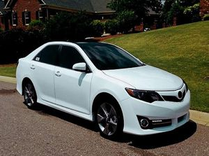 2012 Camry SE Price 12OO$ for Sale in Olney, MD