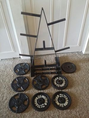 "Body solid standard weight tree 3 feet tall. 2 dumbbell bars and 80lbs standard 1"" iron weights. 8x10lbs. for Sale in Deerfield Beach, FL"